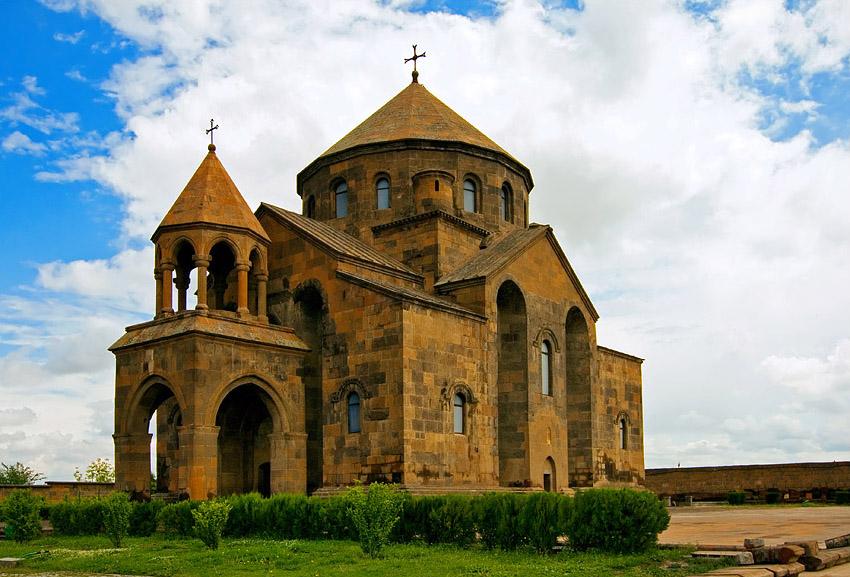 one-day tour to Etchmiadzin: Biking Tour to Etchmiadzin (Hard 2*) - Feel Armenia St. Hripsime