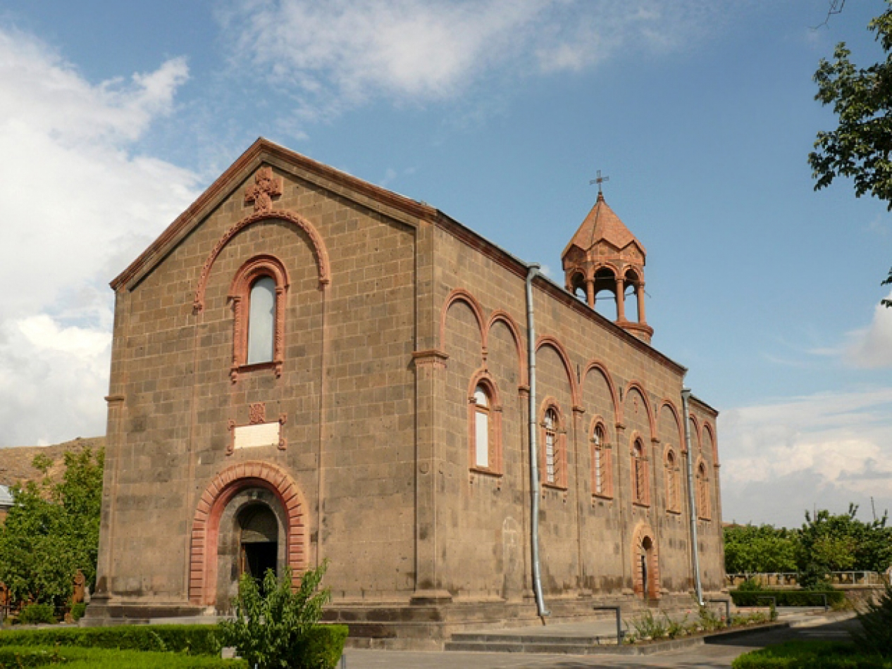 Oshakan. Touch the beauty of the Armenian language in Oshakan!