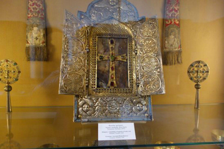 weekend tour in Armenia The Museum Echmiadzin