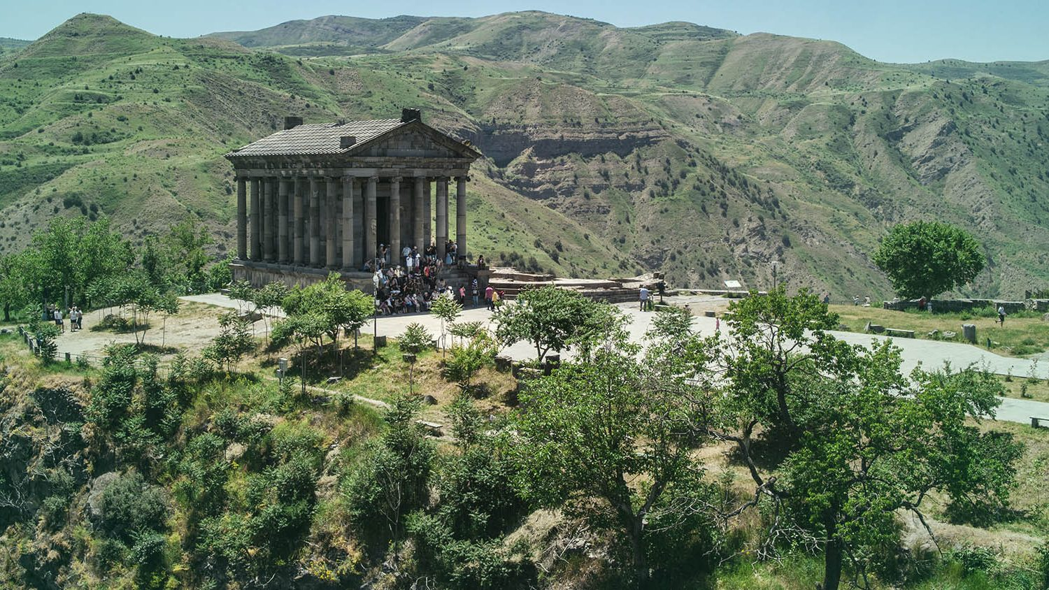 One-day tour to Garni and Geghard one day tour to Garni-Geghard family trip to Armenia one-day tours in Armenia