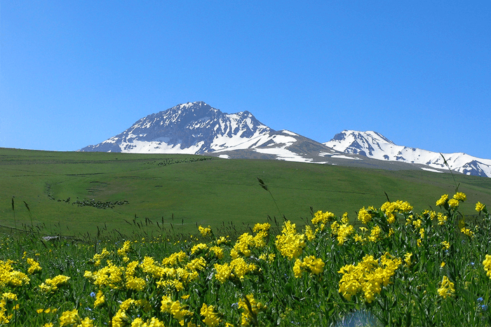 Mount Aragats best tours in Armenia Trip to Armenia. 10 Most Beautiful Landscapes In Armenia - Feel Armenia